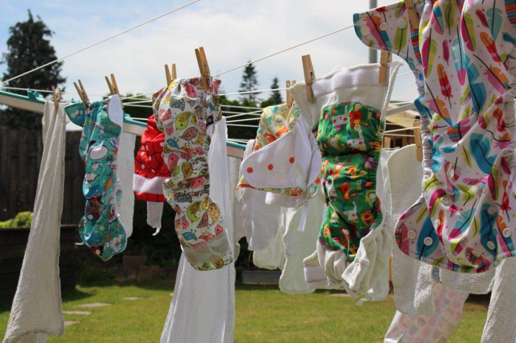Stoffwindeln auf Wäscheleine